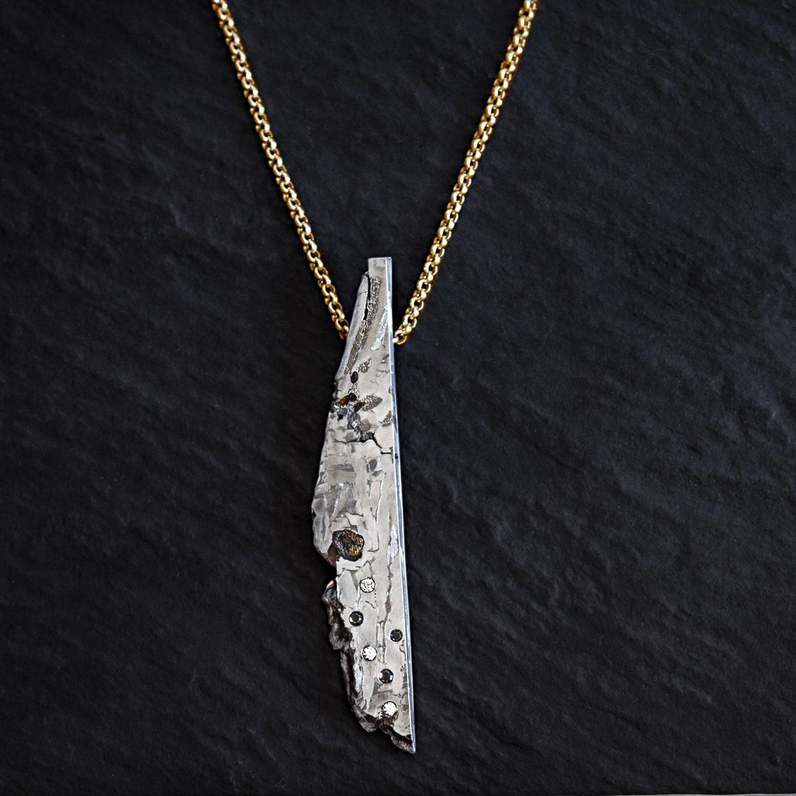 collar hombre oro y diamantes y meteorito-alta joyeria