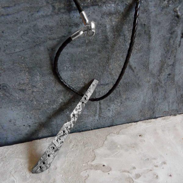 collar hombre meteorito diamantes negros y oro-blancoo-alta joyeria-pieza unica